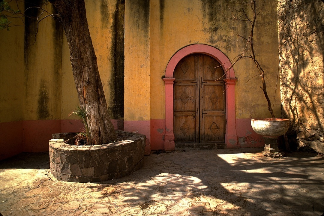 mexico-pink-arch-1080