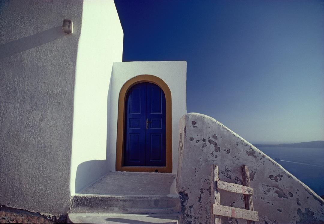 santorini-blue-arch-1080