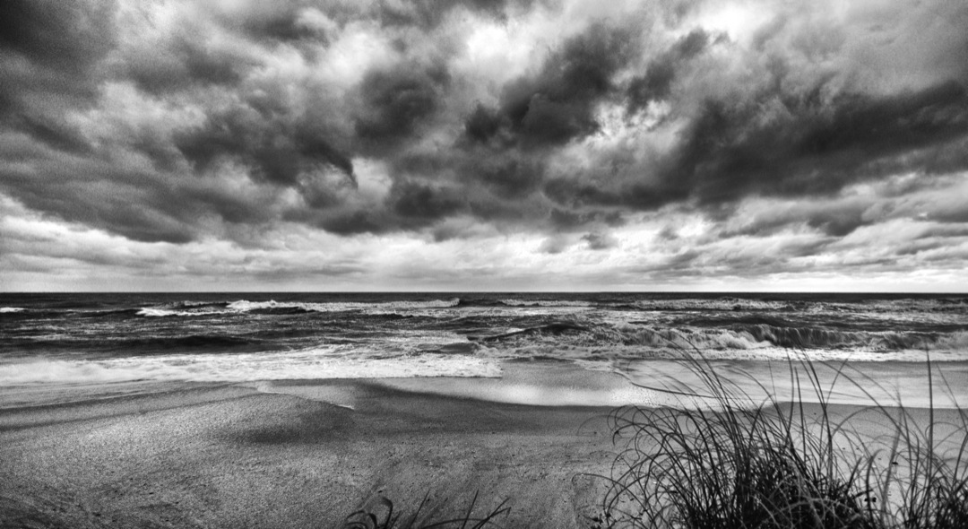 CASEY-KEY-BEACH-Panorama1-BW-1080
